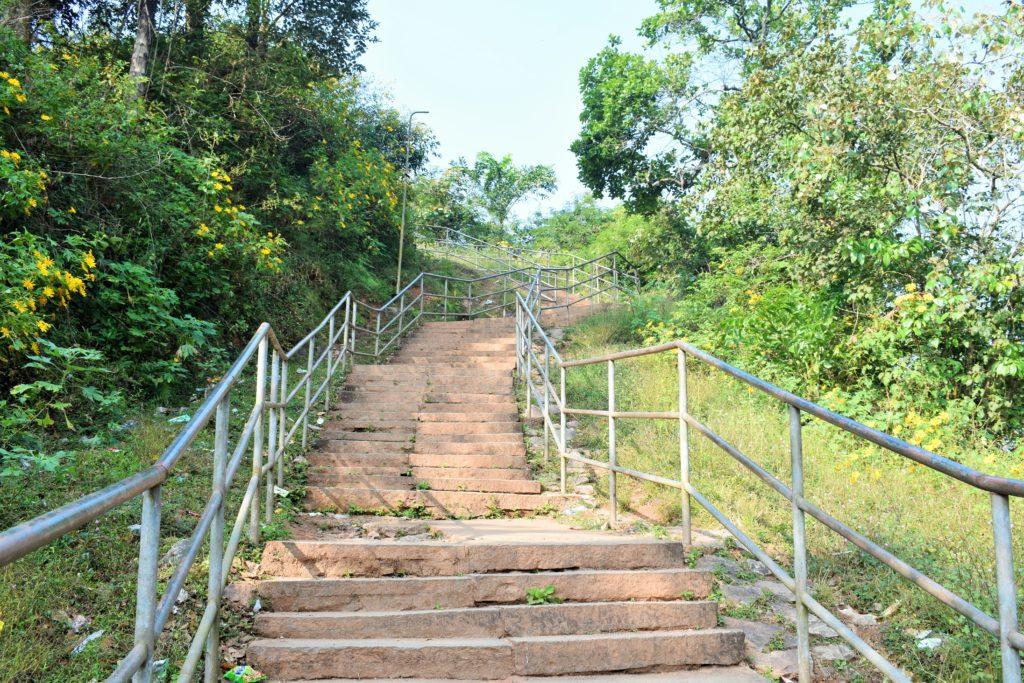 Steps to Manjarabad fort